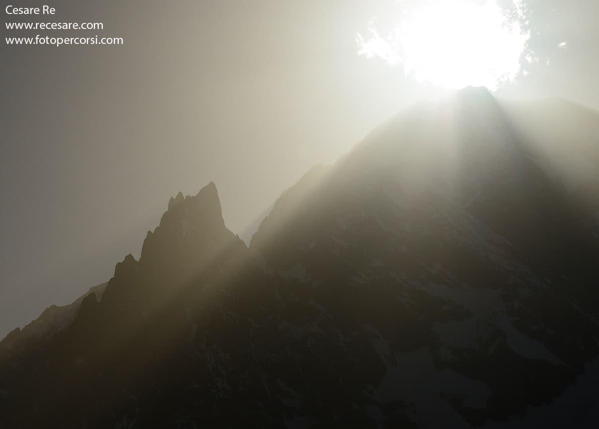 sole in cima al monte bianco